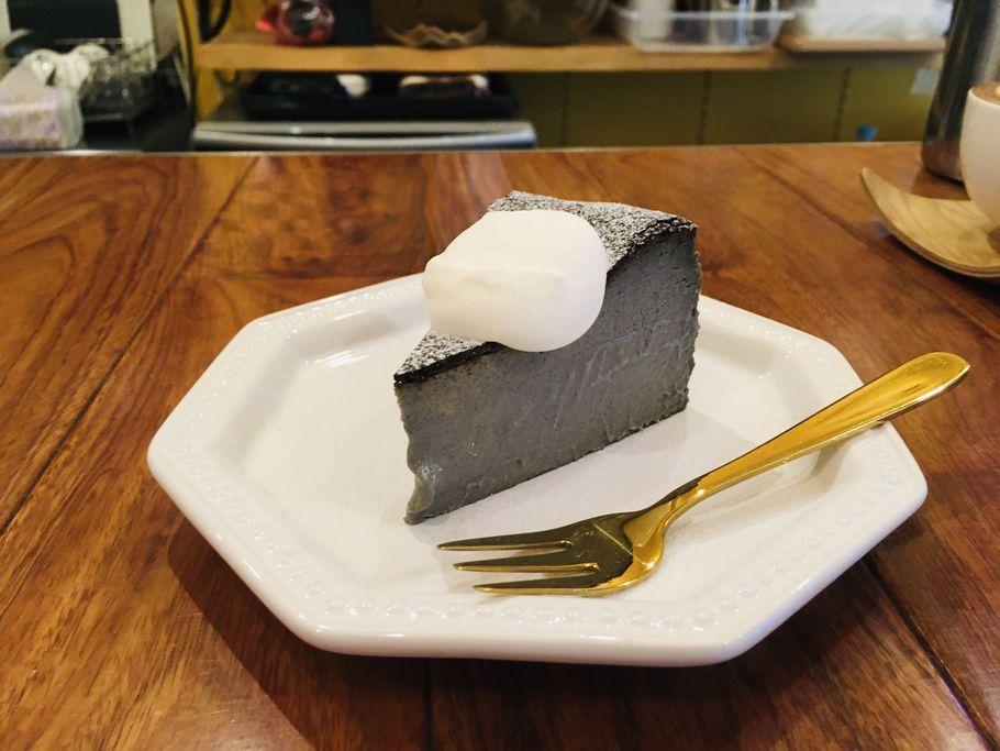 バスクチーズケーキ斜め