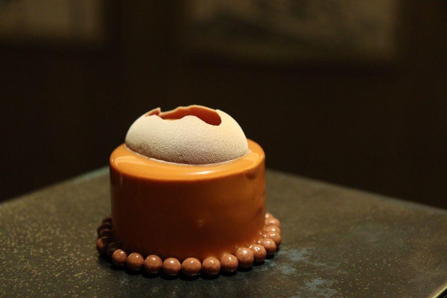 ヴァローナ社のチョコレートと一流シェフのカカオのワルツ。「ホテルインターコンチネンタル 東京ベイ」のアフタヌーンティー