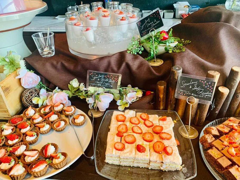 """眺望の良い本格派イタリアン「The Kitchen Salvatore Cuomo Nagoya」のランチで楽しめる""""ストロベリードルチェビュッフェ"""""""