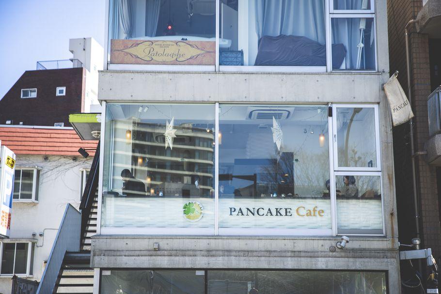 代官山「パンケーキカフェ クローバーズ」