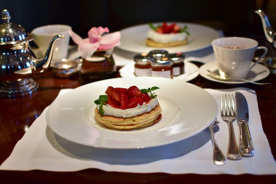 「シャングリラホテル東京」で人気の朝食パンケーキ! 一度は行きたい!東京駅日本橋口より徒歩1分のところにある高級ホテル