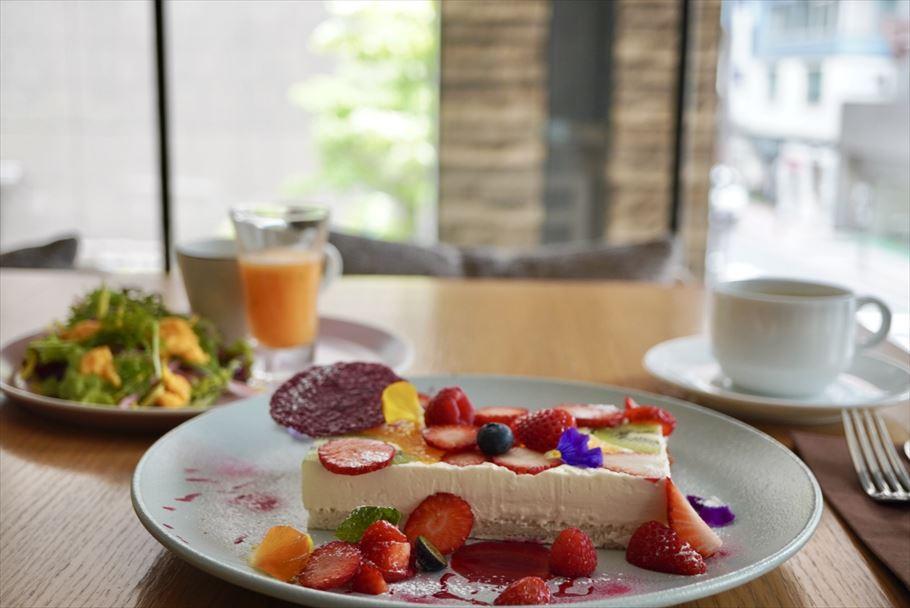 「銀座 Restaurant Furutoshi」 シェフによる造形美あふれる、数量限定のフルーツサンド
