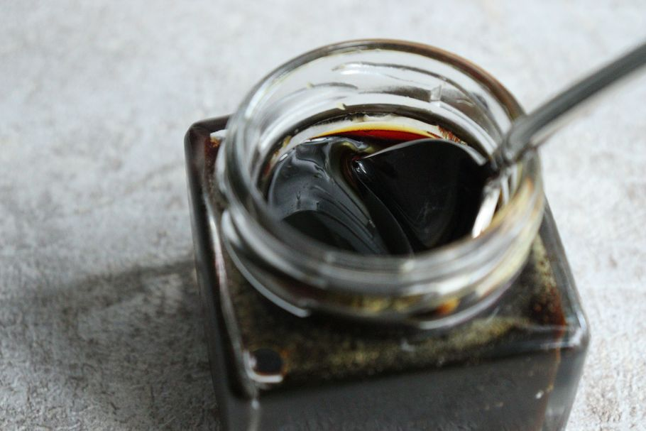 神戸発。濃厚なキャラメルソースをかけて食べるプチカヌレ「Penheur」(プノール)~魅惑のカヌレ部~連載vol.02
