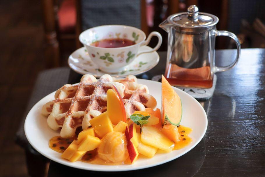 マンゴーの花開く♪ 美しくSNS映えするコスパ最高のパフェが食べられる前橋市「新木珈琲店」