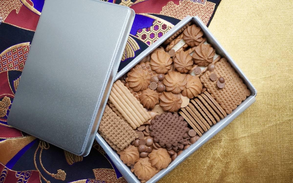 予約・入手困難なお菓子の世界vol.1「村上開新堂」5か月待ちのクッキー缶の正体とは。