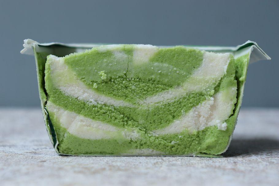 7月に買えるアイスの断面萌えvol.01 美しすぎる層のマーブル層と、複雑なミルフィーユ層