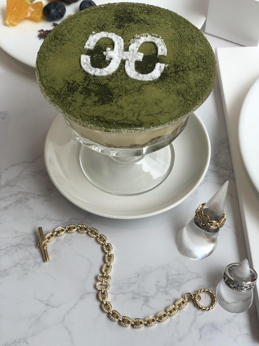 予約が取れなイタリアン「ジョヴァンニ」のスイーツを食べながら高級ジュエリーを試着できる⁉「ヘリカルコード」のジュエリー&カフェがオープン!