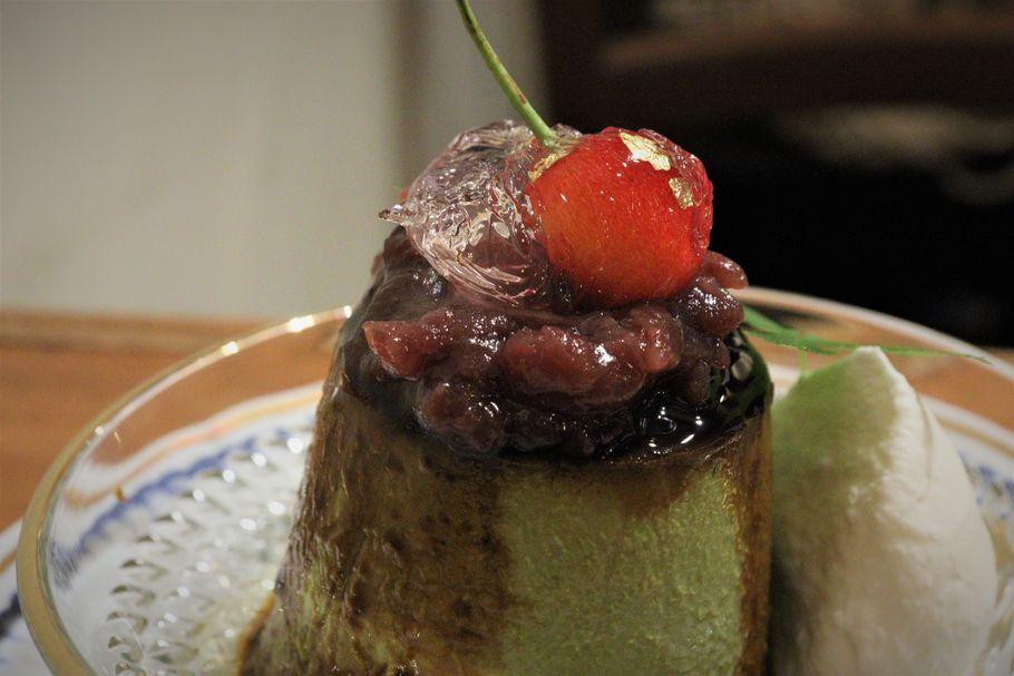 """スプーンをはじくほどの弾力。プリン好きが絶賛する""""日本一かたくて""""おいしい「ぽえむ MANO A MANO COFFEE」(高円寺)のレトロなプリン"""