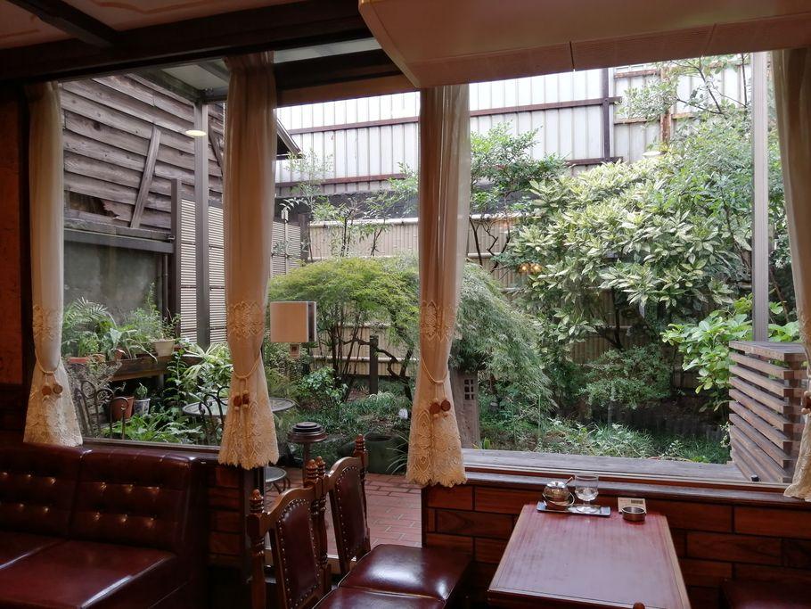 """日本で珍しいプリンの上に氷。創業40年以上の「喫茶ルプラ」が""""バインフラン""""を始めた理由とは(大阪市上本町)"""