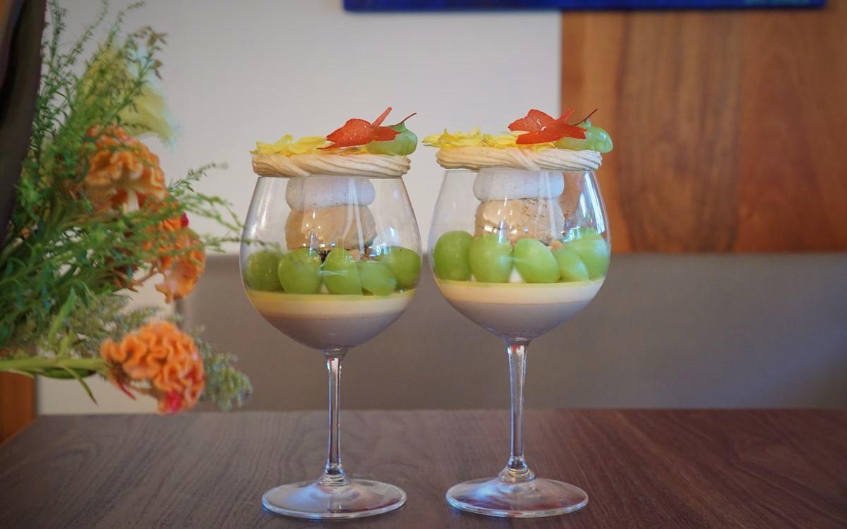 恵比寿「ai's」(アイズ)で今しか食べられない「シャインマスカットのパフェ」と土の中から秋茄子のアイス?驚きのデザートコースを徹底解剖