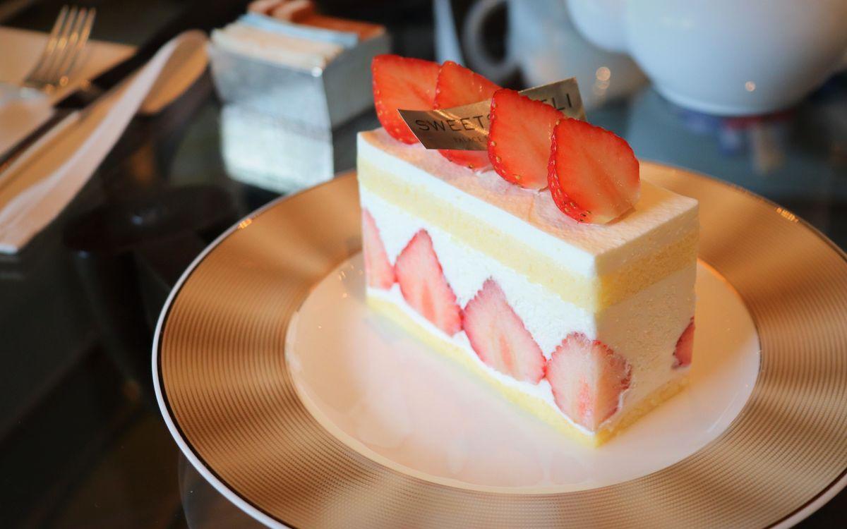 最も高貴なショートケーキ。いちご、生地、クリーム、三位一体となった「パレスホテル東京」連載:最高のショートケーキを求めて vol.11